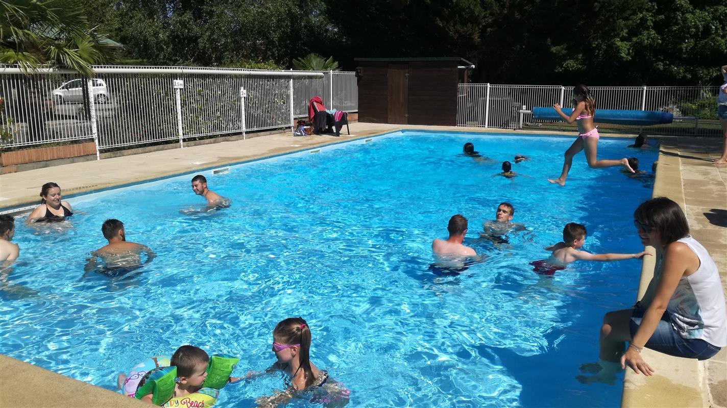 La piscine chauff e du camping du futur camping du futur for Piscine de lencloitre